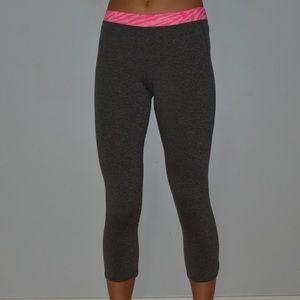 Dark grey cropped leggings